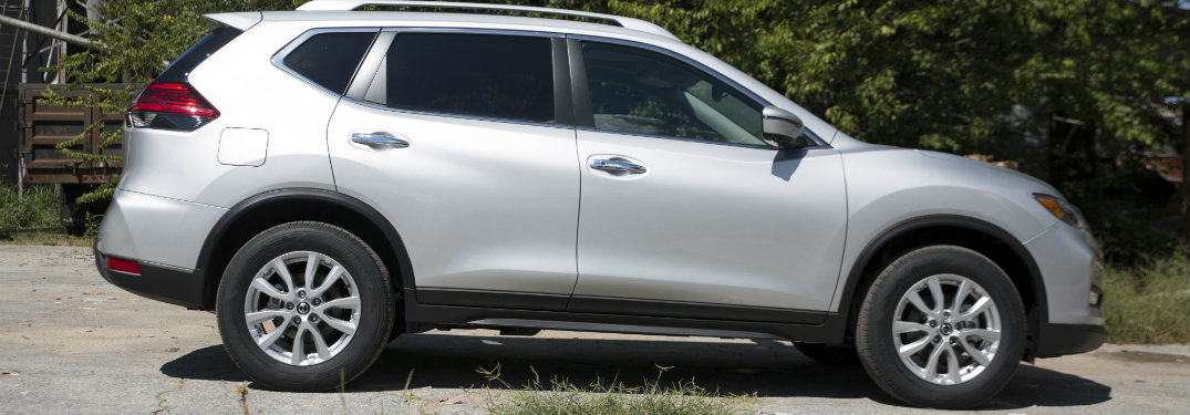 2018 Nissan Rogue side exterior