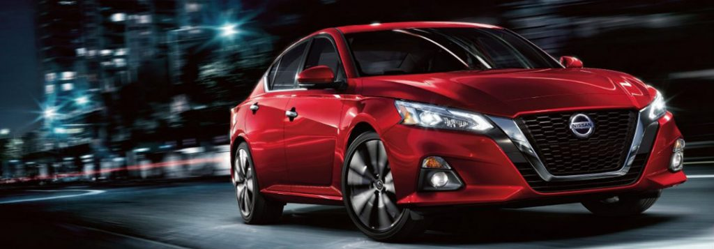 When will the 2019 Nissan Altima be available in Canada?