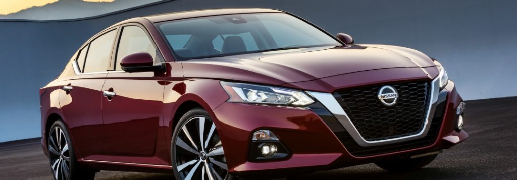 2019 nissan altima full view driving