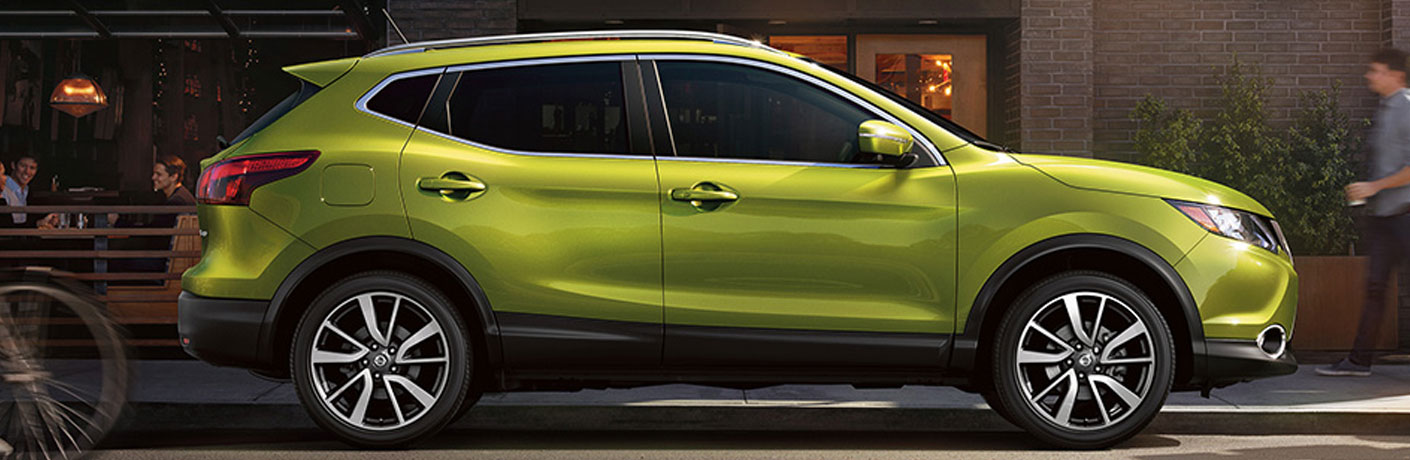 green 2018 nissan qashqai side view