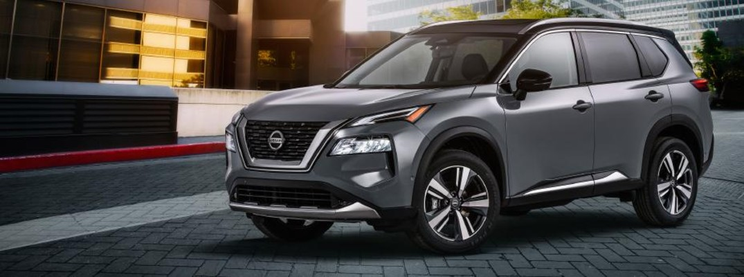 2020 Nissan Rogue side view