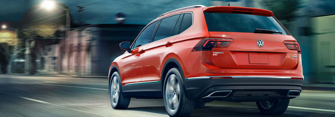 2018 volkswagen tiguan rear view while driving