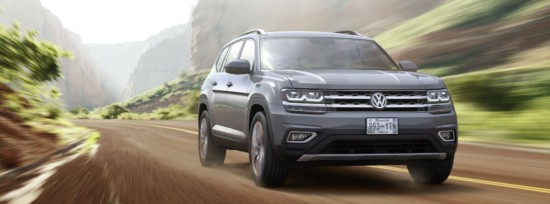 2018 volkswagen vw atlas driving
