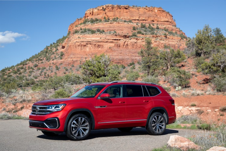 2021 Volkswagen Atlas in Aurora Chroma