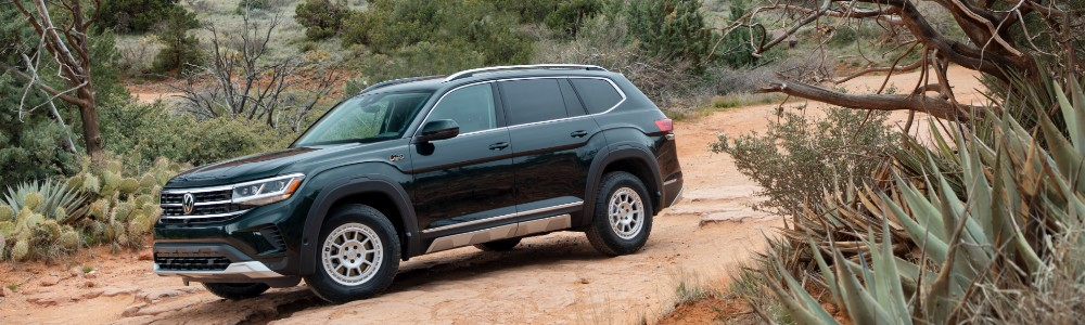 2021 VW Atlas driving in desert
