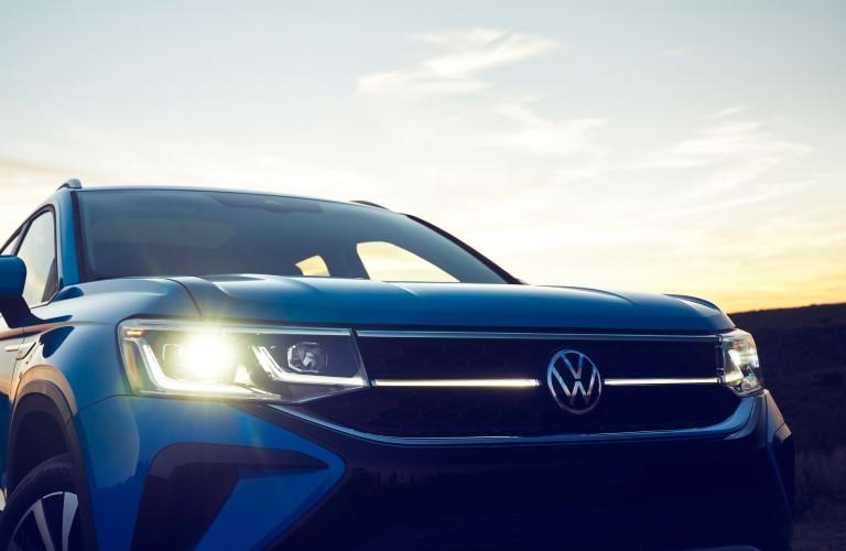 2022 Volkswagen Taos headlights