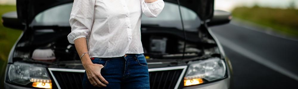 woman having car troubles