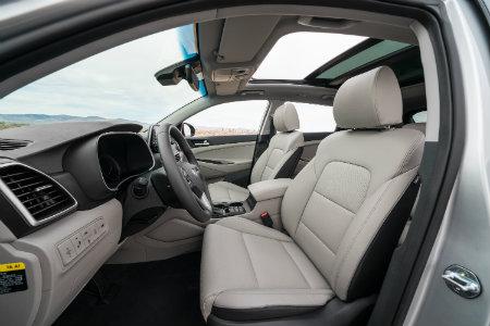 2019 Hyundai Tucson interior front seats