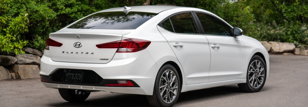 2019 hyundai elantra rear view
