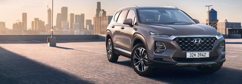 2019 Hyundai Santa Fe front exterior