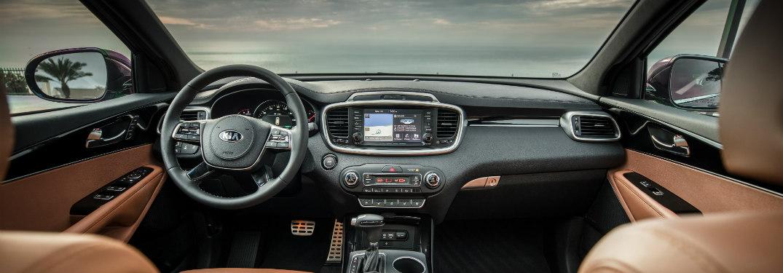 2019 Kia Sorento dash and steering wheel