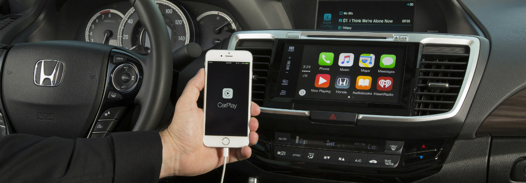2016 Honda Accord paired with Apple CarPlay