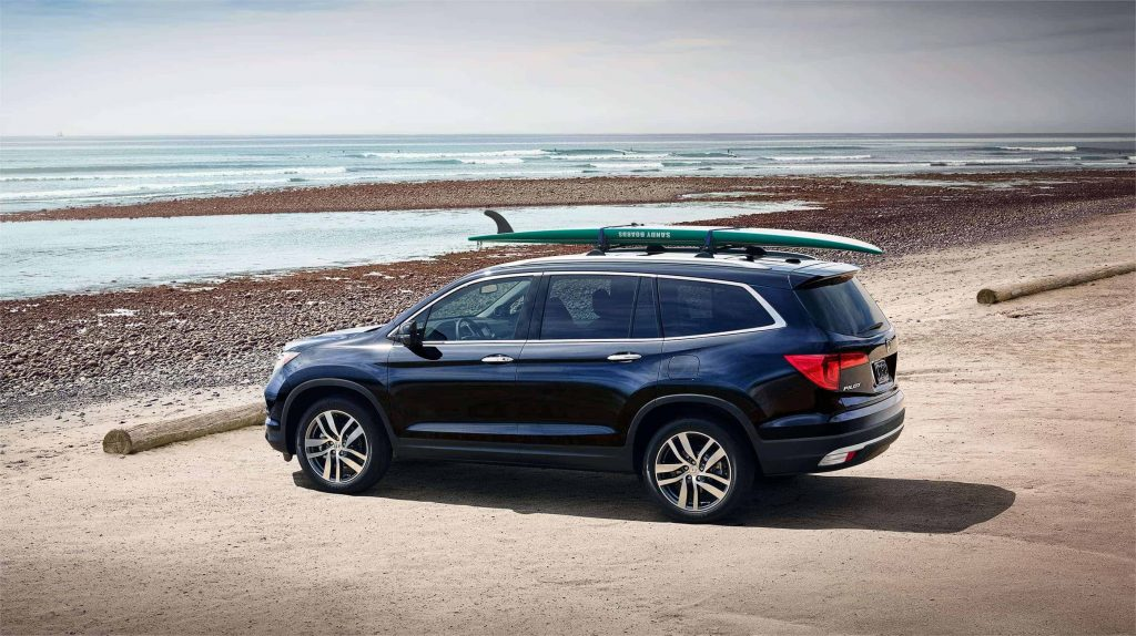 Exterior 2018 Honda Pilot near Iowa City
