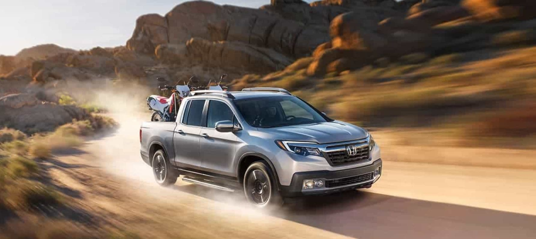 How the 2020 Honda Ridgeline Beats the 2020 Toyota Tacoma in Macomb