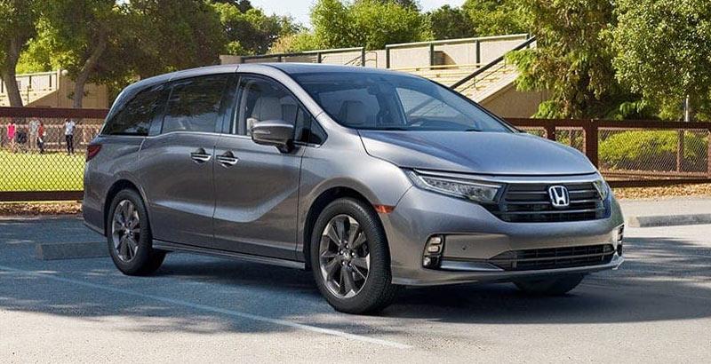 Brad Deery Honda - Discuss your options for the 2022 Honda Odyssey near Fairfield IA