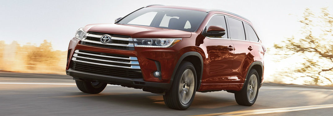 Front View of Red 2018 Toyota Highlander