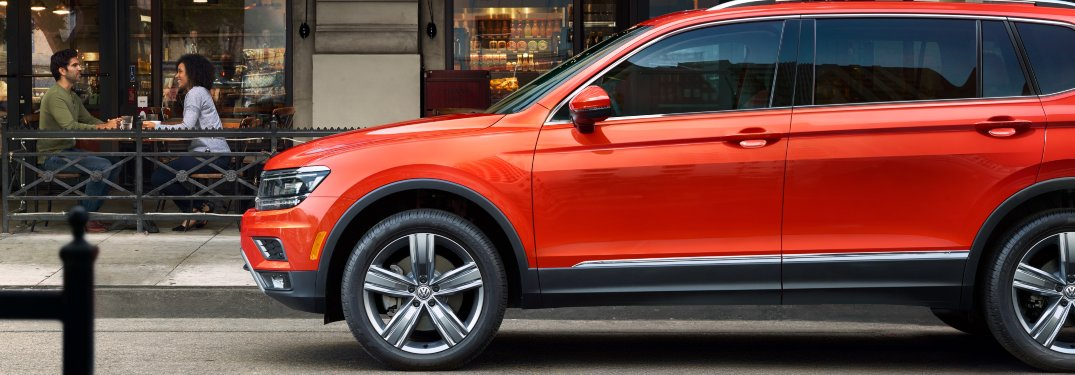 2020 Volkswagen Tiguan parked in front of a restaurant