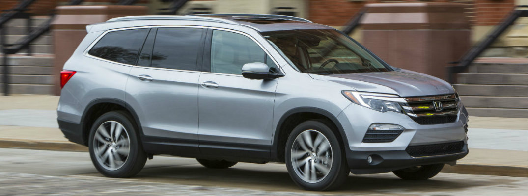 Silver-colored 2018 Honda Pilot