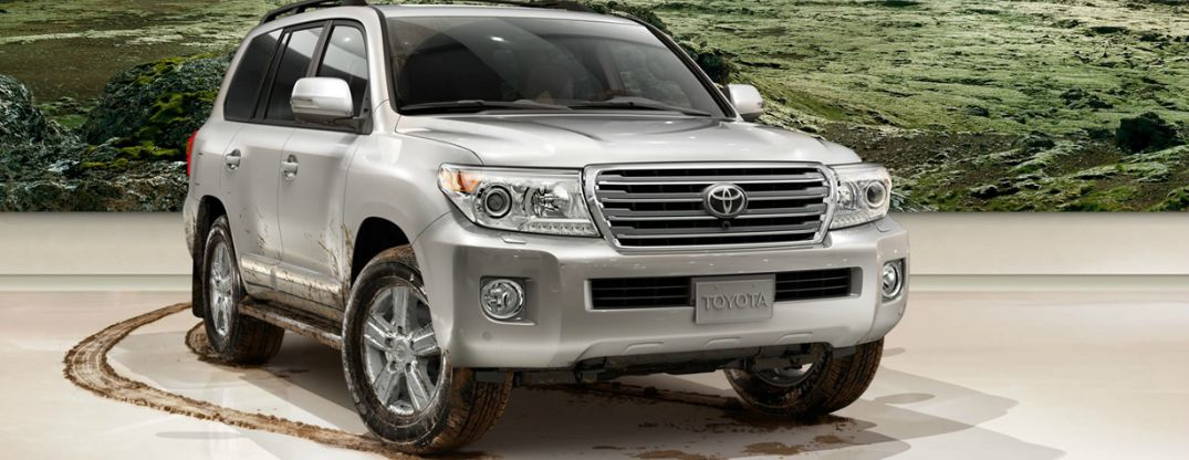 Differences between 2015 Toyota Land Cruiser and 2015 Range Rover