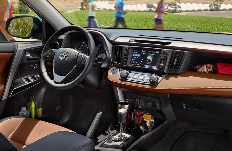 2017 Toyota RAV4 performance and technology