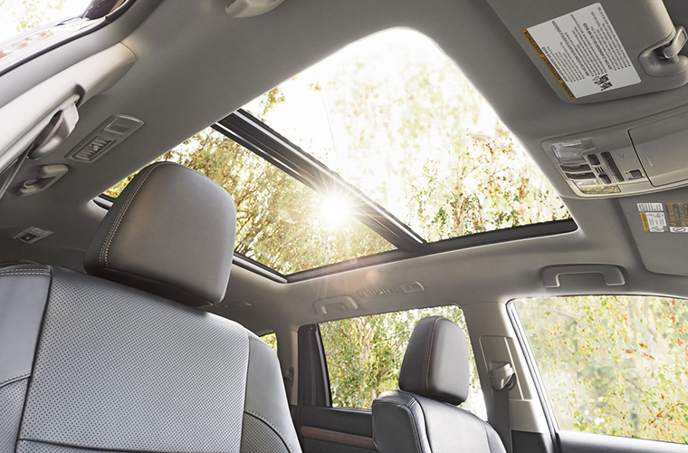 Panoramic moonroof of 2018 Toyota Highlander with seats in view