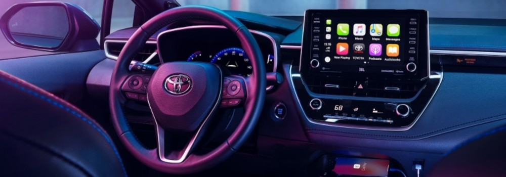 dash of the 2020 toyota corolla