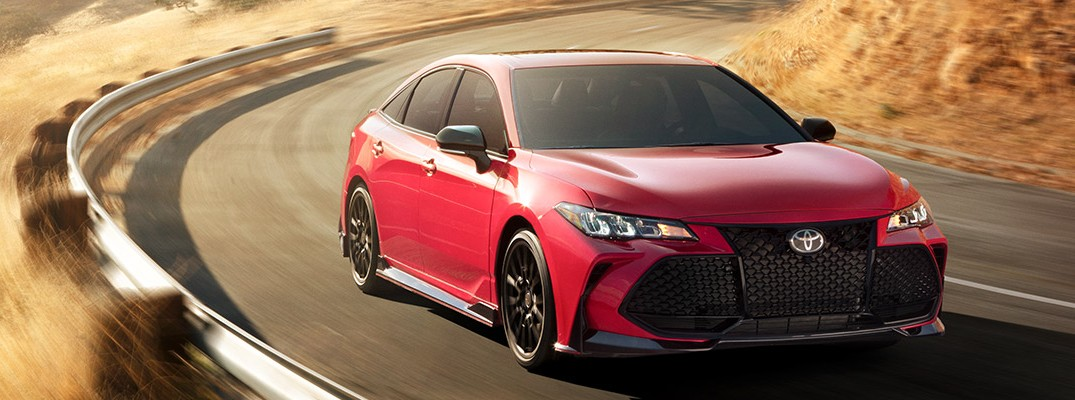 How many colors are available for the 2020 Toyota Avalon?