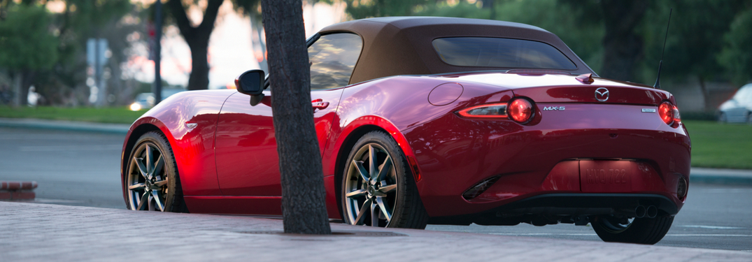 2019 mazda mx-5 miata rear view parked