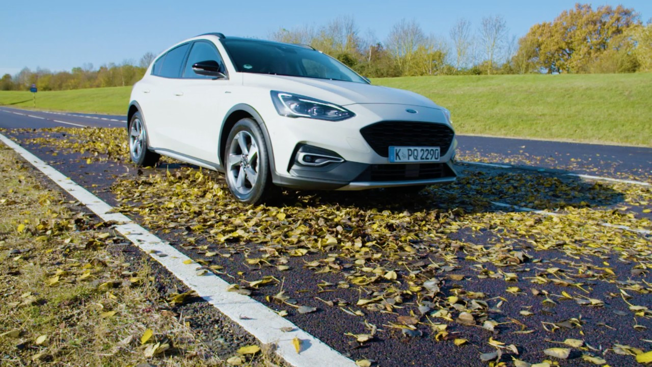 WHICH IS MORE SLIPPERY – LEAVES OR SNOW? FORD ENGINEERS REVEAL THE SURPRISING ANSWER