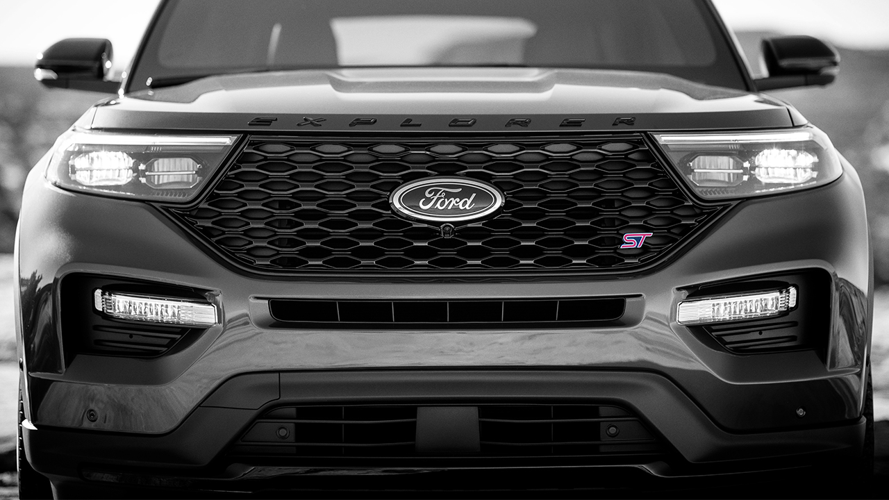 ALL-NEW FORD EXPLORER GOES FASTER AND FURTHER WITH PERFORMANCE-TUNED ST AND NO-COMPROMISE HYBRID