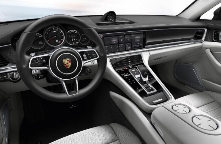 2019 Porsche Panamera steering wheel and dash