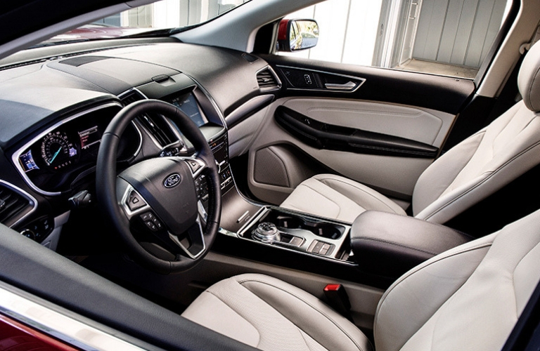 2019 Ford Edge interior front view