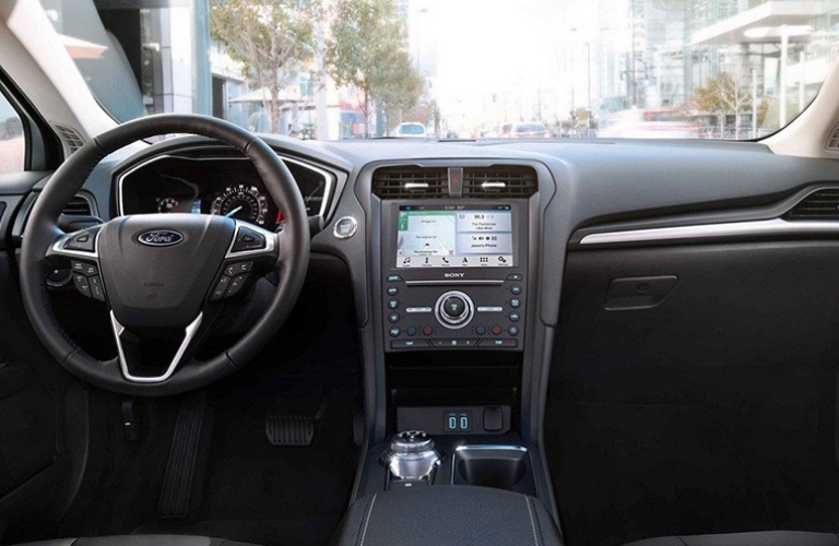 2019 Ford Fusion dash and wheel