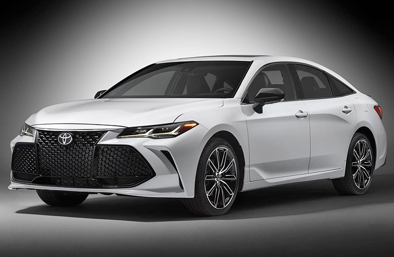 2019 toyota avalon front end view