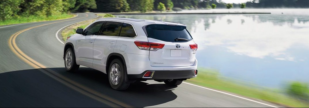 What Are The Interior Features Of The 2019 Toyota Highlander