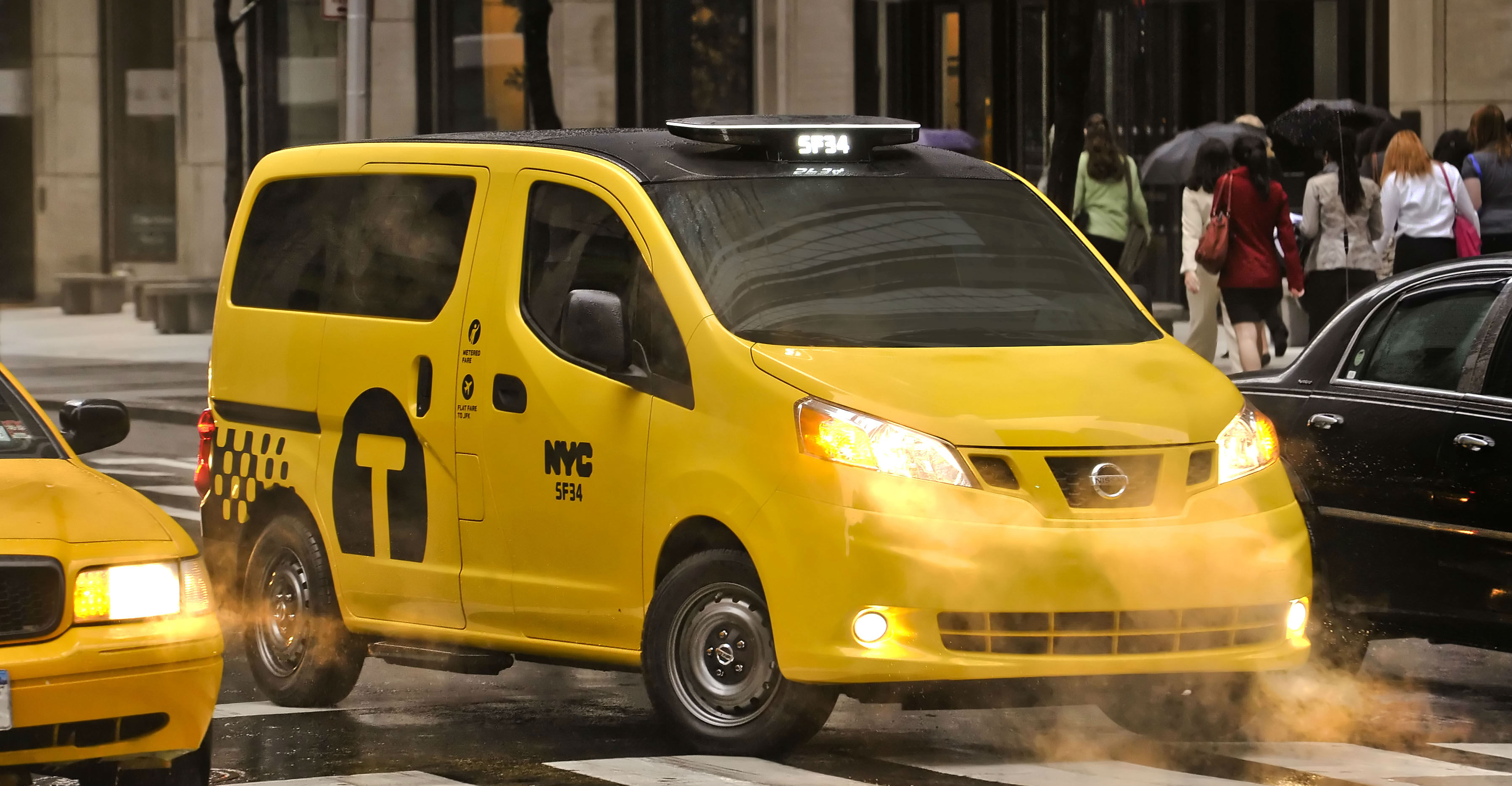 nissan nv200 nyc taxi of tomorrow to phase out old taxis soon. Black Bedroom Furniture Sets. Home Design Ideas