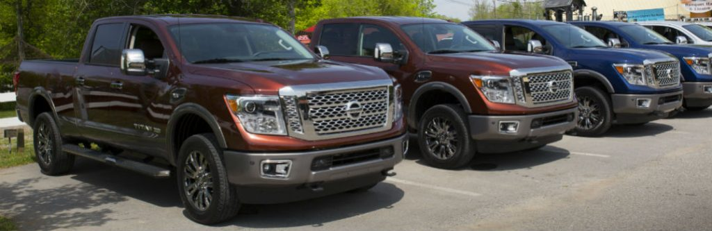 2016 nissan titan xd diesel vs gas engine. Black Bedroom Furniture Sets. Home Design Ideas