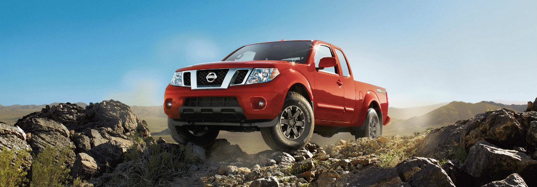 2018 nissan frontier red front view