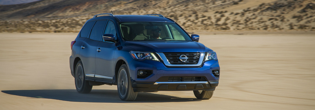 2018 nissan pathfinder blue full view desert