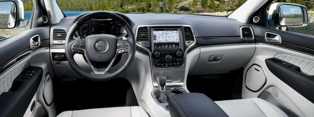 2018 jeep grand cherokee seating capacity and interior cargo space. Black Bedroom Furniture Sets. Home Design Ideas