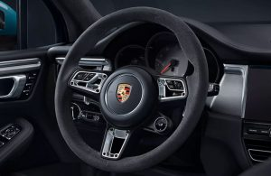 2020 Porsche Macan steering wheel