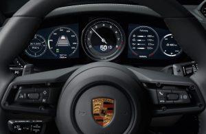 2020 Porsche 911 driver display