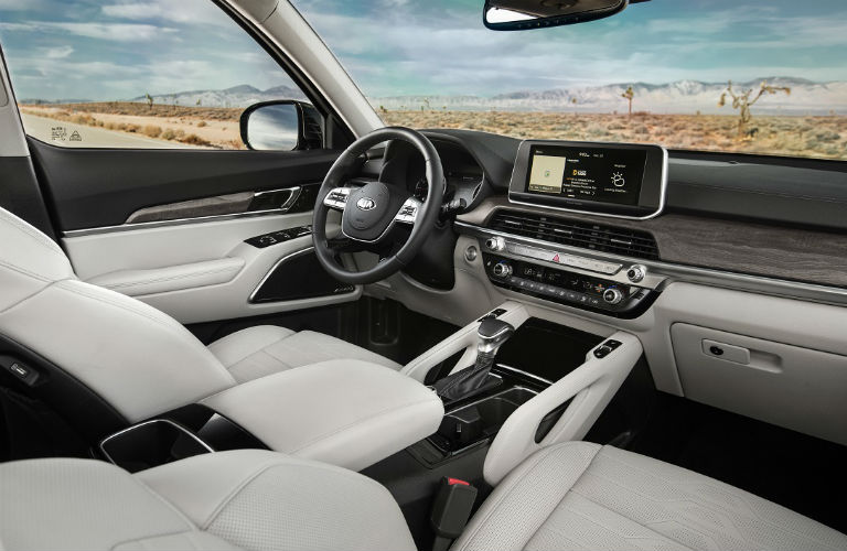 2020 Kia Telluride Passenger-Seat View of Front Cabin