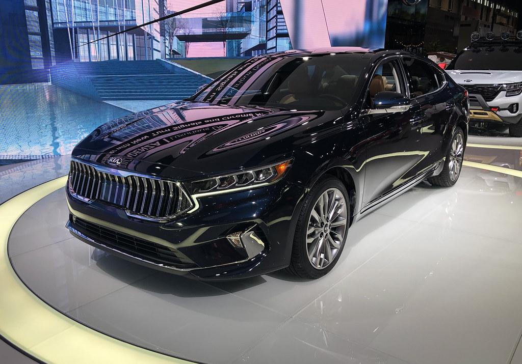 2020 Kia Cadenza Debuted at the Chicago Auto Show