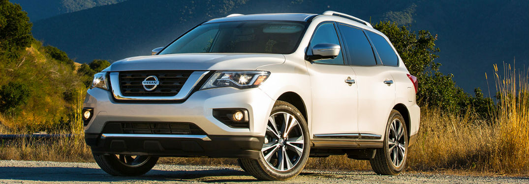 2019 Nissan Pathfinder front and side profile