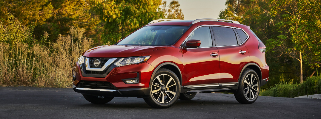 Does the 2020 Nissan Rogue include Apple CarPlay®?