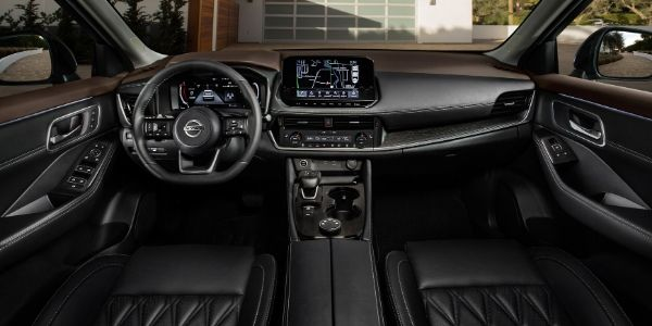 2021 Nissan Rogue Steering Wheel and Dashboard