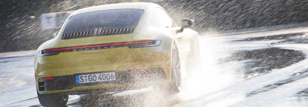 2020 Porsche 911 splashing through water