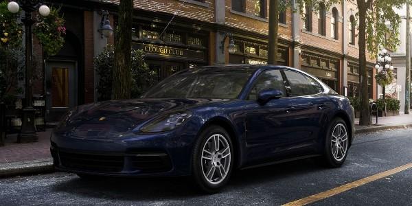 2020 Porsche Panamera in Night Blue Metallic