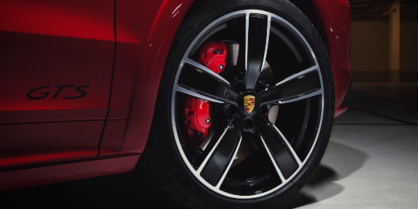 Closeup of wheel on 2021 Porsche Cayenne GTS